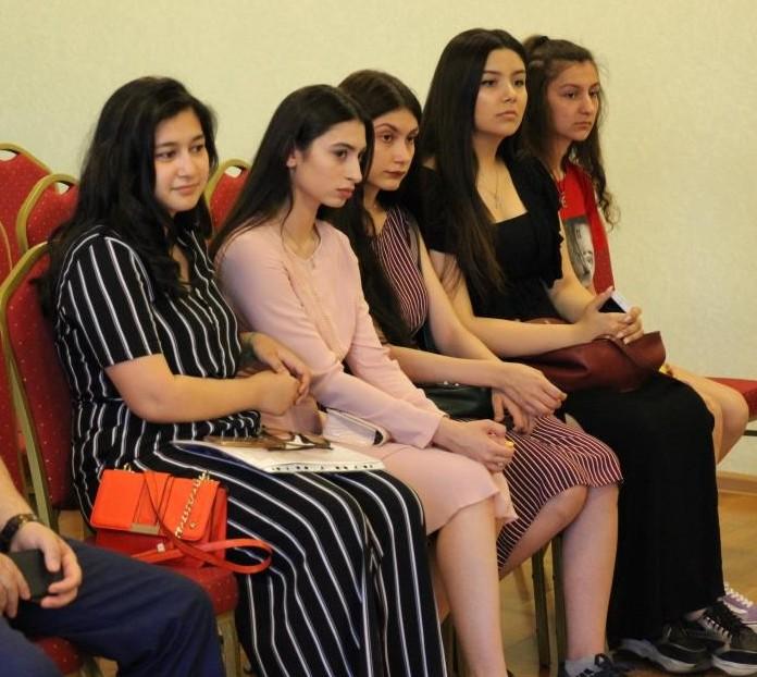 собрание азербайджанского молодежного крыла
